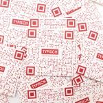 TYPISCH Aufkleber 02 - QR Code Umfrage